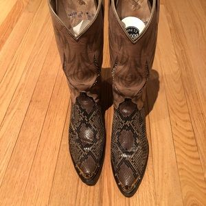 DanPost Cowgirl Boots